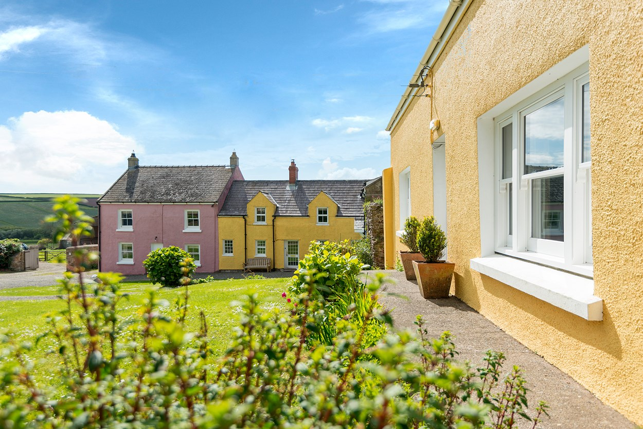 Orlandon Farm Holiday Cottages, St Brides, Wales